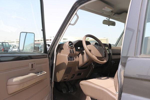 Toyota Land Cruiser Hard Top 5 door Full LC 76 TDSL-E_LX WGN_RD full