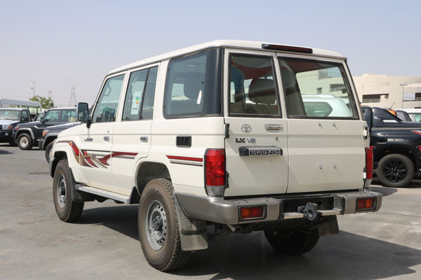 Toyota Land Cruiser 5 Door Pickup Basic – LC 76 TDSL-E_LX WGN full